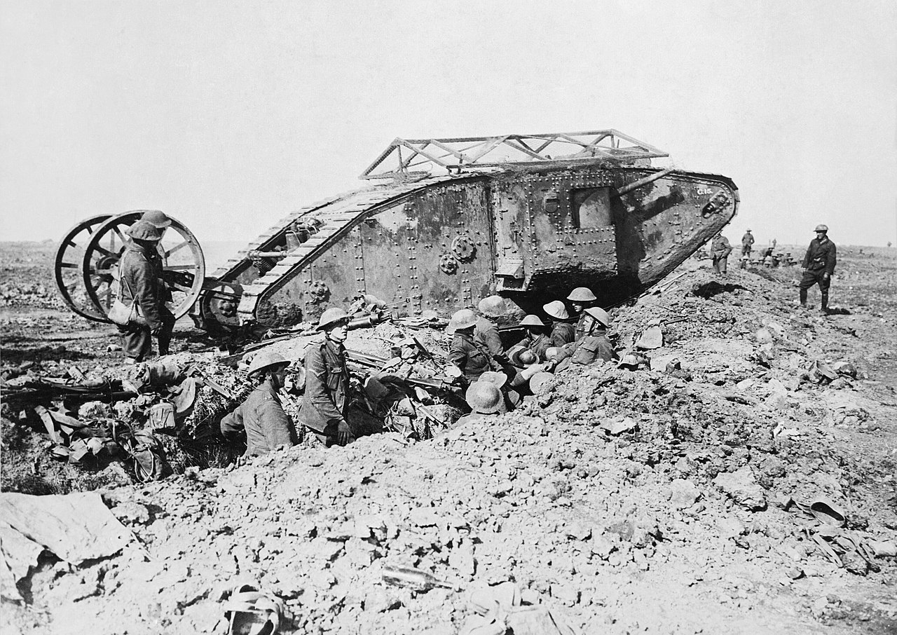 1280px-British_Mark_I_male_tank_Somme_25_September_1916.jpg